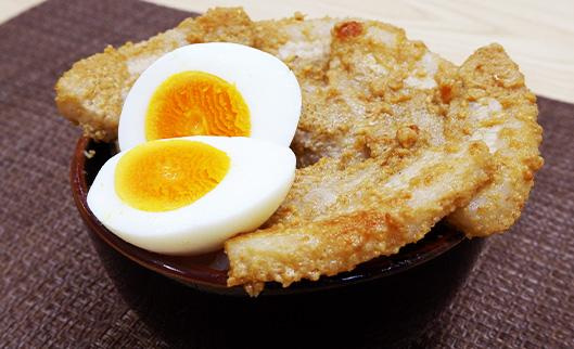 豚バラブロックで厚切り豚バラ丼(卵のぬか漬)